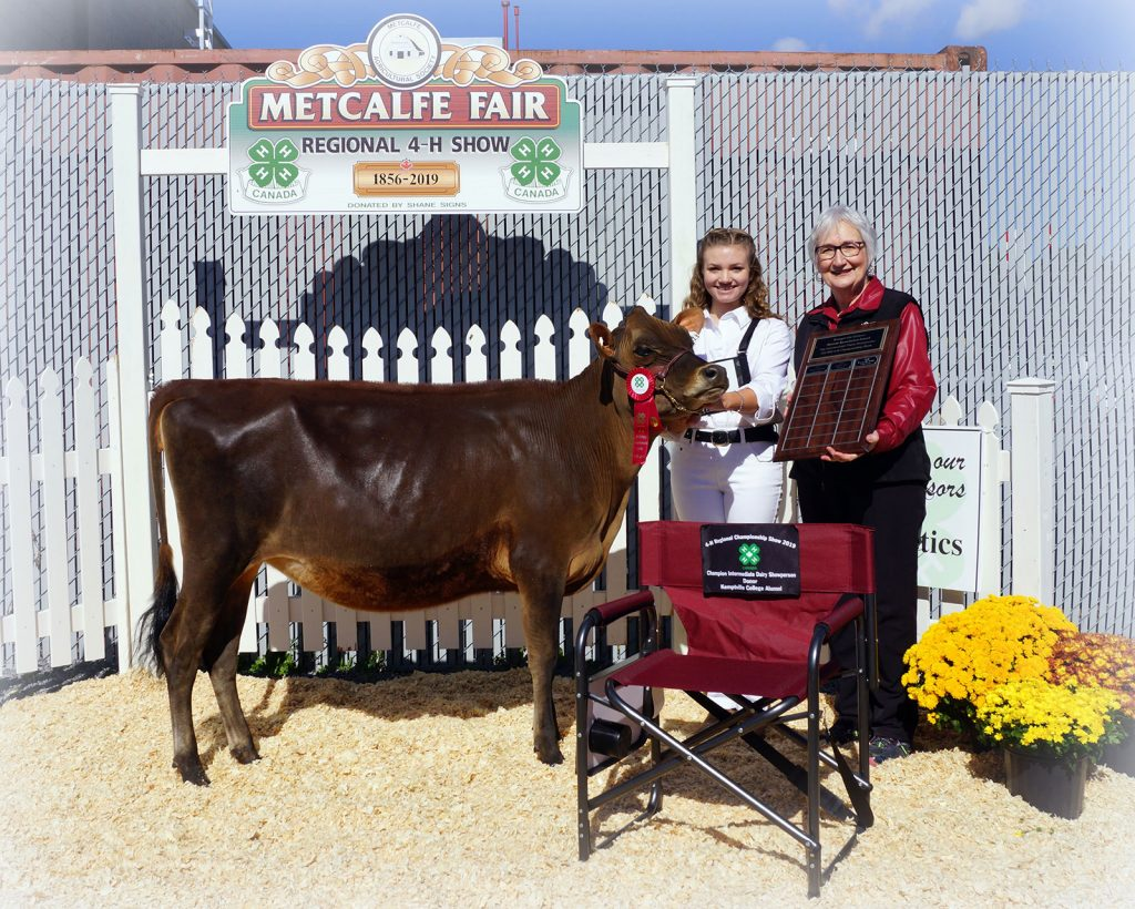 Champion Intermediate Dairy Showperson